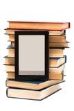 Leser und alte Bücher Stockfoto