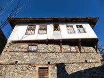 Leshten,保加利亚村庄与地道19世纪房子的 库存图片