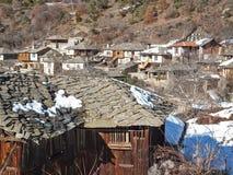 Leshten,保加利亚村庄与地道19世纪房子的 库存照片