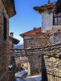 Leshten,保加利亚村庄与地道19世纪房子的 免版税库存照片