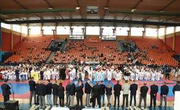 Leskovac, INTERNATIONALER KARATE Serbiens Srbija am 25. November IPPON ÖFFNEN 2018: Karatekindersportwettbewerbe in der Sporthall stockfotografie