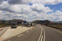 Lesotho kontrola graniczna w Sani przepustce, jak widzieć od południe - afrykanin strona Obrazy Stock