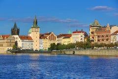 Lesser Old Town Bridge Tower, Charles Bridge, Moldau, Prag, Tschechische Republik Stockfotografie