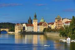 Lesser Old Town Bridge Tower, Charles Bridge, Moldau, Prag, Tschechische Republik Lizenzfreie Stockfotos