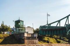 Letónia Liepaja Ponte da interrupção imagem de stock