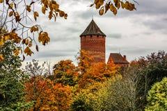 letland De herfst Dit is het Kruisvaarderkasteel in Sigulda Royalty-vrije Stock Fotografie