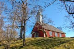 Letland, Oud Turaida-kasteel in de lente Sinds 1214 Het voortbouwen op het grondgebied stock afbeeldingen