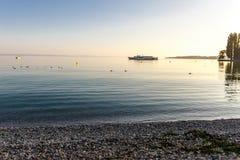 Letni dzień jeziorem Obrazy Royalty Free