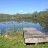 Letni dzień na jeziorze Zdjęcia Royalty Free