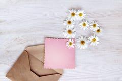 Letra com o símbolo do coração das flores Fotografia de Stock Royalty Free