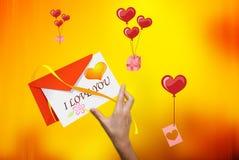 Letra com um envelope Fotografia de Stock Royalty Free