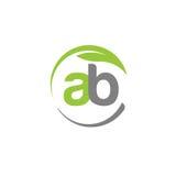 Letra criativa AB com logotipo da folha do verde do círculo Fotografia de Stock Royalty Free