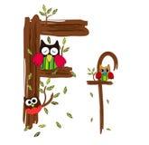 Letra de madeira F Owl Vetora Fotos de Stock Royalty Free