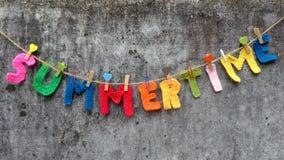 Letra do verão, fundo do verão Fotografia de Stock