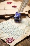 Letra do vintage protegida pela cera de selagem vermelha Imagens de Stock Royalty Free