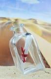 Letra em uma garrafa Foto de Stock