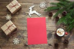 Letra en blanco vacía de la Navidad para Papá Noel o sus actividades del wishlist o del advenimiento Visión superior y espacio pa Fotografía de archivo