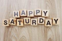 Letra feliz do alfabeto de sábado com espaço no fundo de madeira imagem de stock royalty free