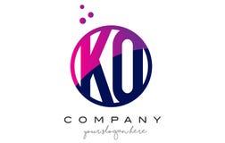 Letra Logo Design del círculo del knock-out K O con Dots Bubbles púrpura ilustración del vector