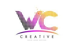 Letra Logo Design del WC W C con los puntos magentas y Swoosh Fotos de archivo