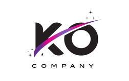 Letra negra Logo Design del knock-out K O con Swoosh magenta púrpura stock de ilustración