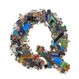 Letra Q feita de componentes eletrônicos fotografia de stock