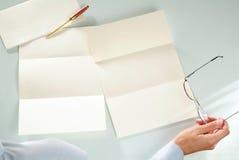 Letra vazia na mesa Fotografia de Stock