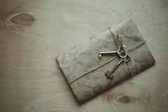Letra y las llaves Fotografía de archivo