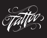 Letras caligráficas del tatuaje moderno en fondo negro stock de ilustración