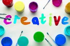 Letras coloridas creativas Pinturas y cepillos imagen de archivo libre de regalías