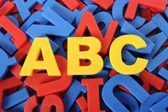 Letras de ABC de la escuela plástica del alfabeto que aprende el juguete Fotografía de archivo
