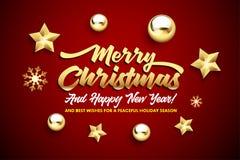 Letras de la Feliz Navidad, y de la Feliz Año Nuevo con las estrellas y las bolas de oro de la Navidad en un fondo rojo foto de archivo libre de regalías