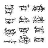 Letras de la mano del verano Un sistema de inscripciones manuscritas en un tema del verano Ilustración del vector ilustración del vector