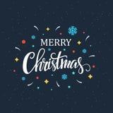 Letras de moda de la mano de la Navidad con los elementos festivos decorativos imagen de archivo libre de regalías