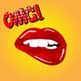 Letras de OMG Pares atractivos dulces del arte pop de labios brillantes del vector Abra los labios rojos mojados atractivos con e Imagen de archivo libre de regalías