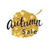 Letras del cepillo de Autumn Sale Diseño de la bandera del brillo del oro con las chispas en el fondo blanco Cartel estacional de Imagenes de archivo