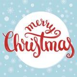 Letras del cepillo de la Feliz Navidad con textura inconsútil de los copos de nieve en fondo Postal, impresión, camiseta, tarjeta Imágenes de archivo libres de regalías