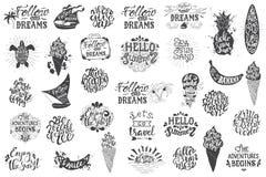 Letras dibujadas mano que viajan del verano, inscripciones de la tipografía stock de ilustración