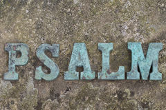 Letras do molde do ferro que formam a palavra SALMO Foto de Stock