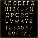 Letras douradas do alfabeto do vetor com reflexão sobre ilustração royalty free