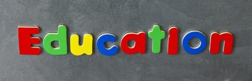 Letras magnéticas de la educación Imagenes de archivo