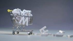 Letras plásticas que mienten en compras de la carretilla Letras del alfabeto del placer stock de ilustración