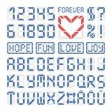 Letras y números del alfabeto latino de la fuente de Digitaces Fotografía de archivo