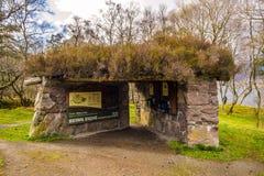Letrero de Entance que muestra las trayectorias de la montaña, en la reserva de naturaleza de Beinn Eighe cerca de Kinlochleven e Foto de archivo libre de regalías