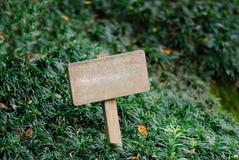 Letrero de madera Imagenes de archivo