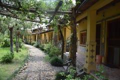 Lets relaxa Uma casa amigável de Eco Fotos de Stock Royalty Free