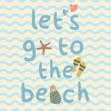 Lets vai à praia com saco, deslizadores, shell, cartaz da cópia da estrela do mar Foto de Stock