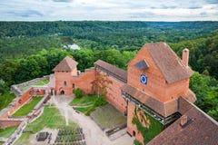 Letse aantrekkelijkheid - oud Turaida-kasteel stock fotografie
