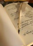 Lettera con la piuma-penna fotografie stock