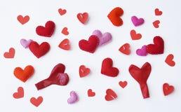 Lettera di amore da plasticine Vista da sopra Priorità bassa bianca Un cuore Sorgente immagine stock